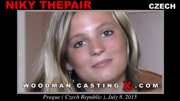 Анальная девственница пришла на кастинг к Вудману где ей как следует разрабатывают тугую дырочку